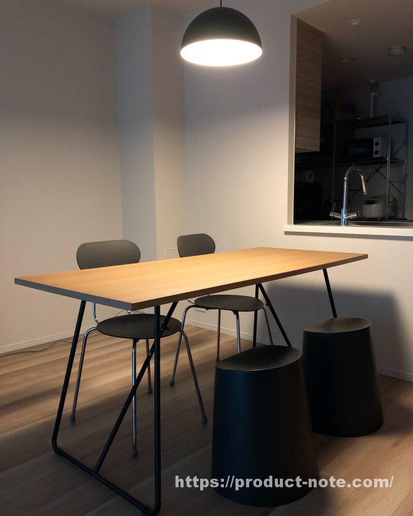 折りたたみテーブル,スチールチェア,ポリプロピレンスタッキングスツール,ペンダントライト半球,無印良品